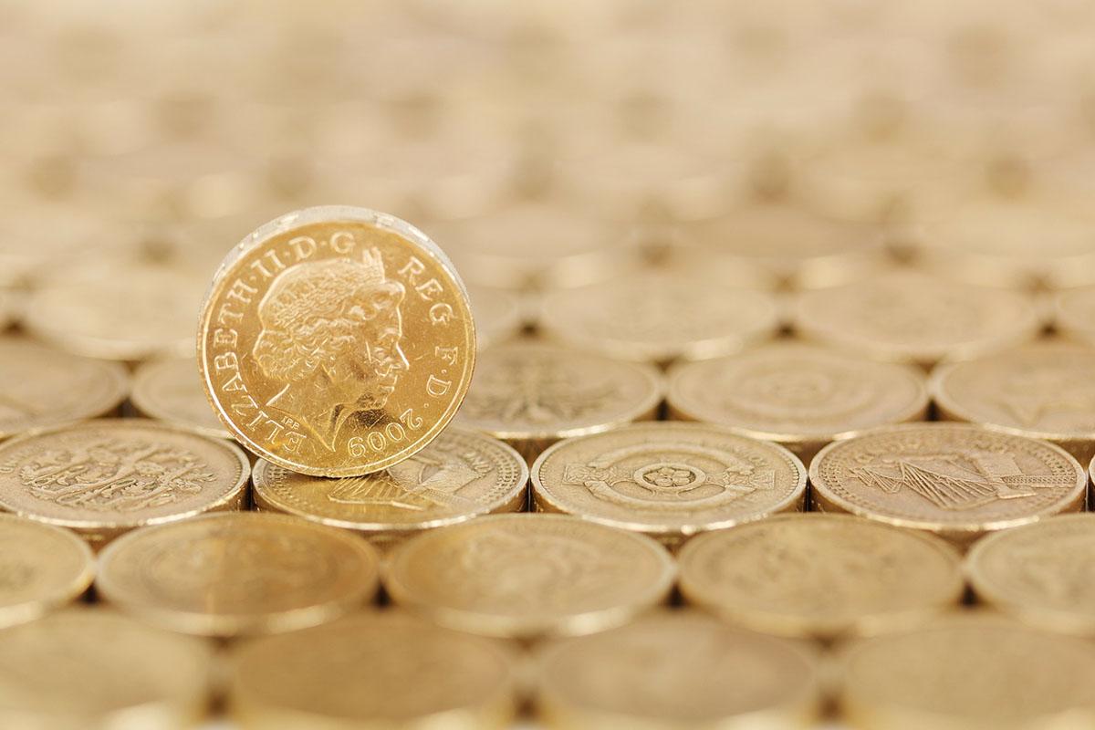 zarobki w UK