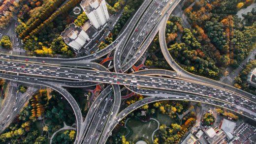 Водитель в Польше – что стоит знать об условиях трудоустройства, вознаграждениях и разрешениях?